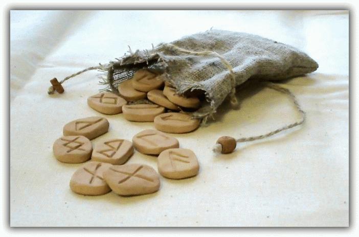 руны из керамики