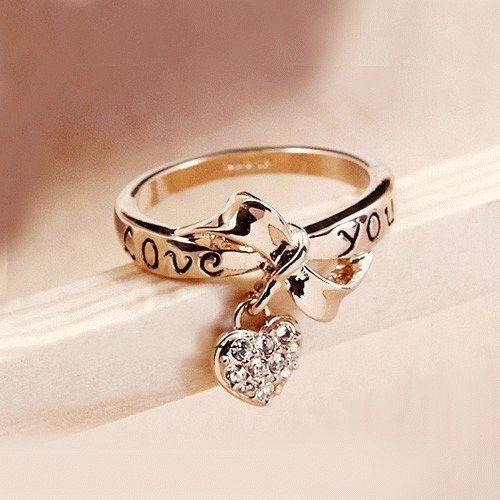 К чему снится золотое кольцо на пальце руки