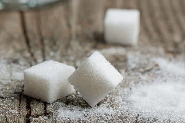 Примета: рассыпать сахар