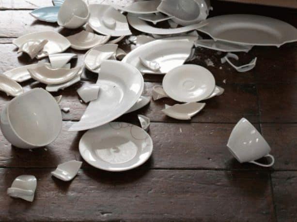 К чему снится разбить тарелку?