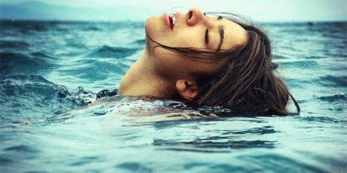 К чему снится купаться в море?