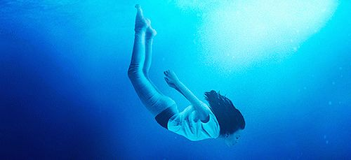 Сонник: плавать в воде