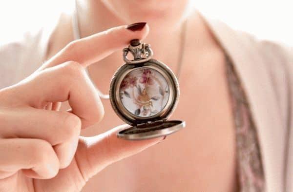 Подарить мужчине часы примета