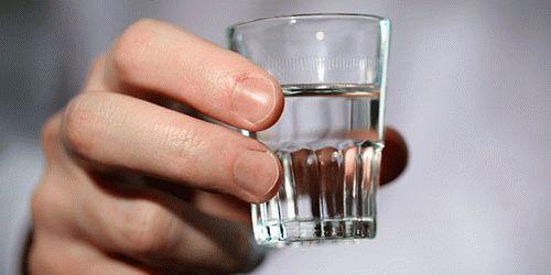 К чему снится пить водку во сне?
