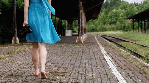 К чему снится ходить босиком?