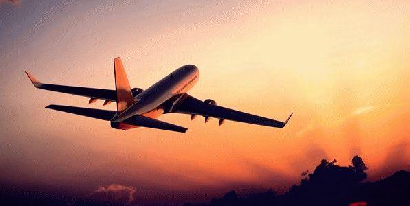 К чему снится самолет в небе?