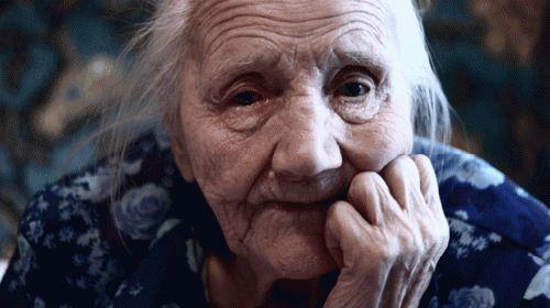 К чему снится покойная бабушка внучке?