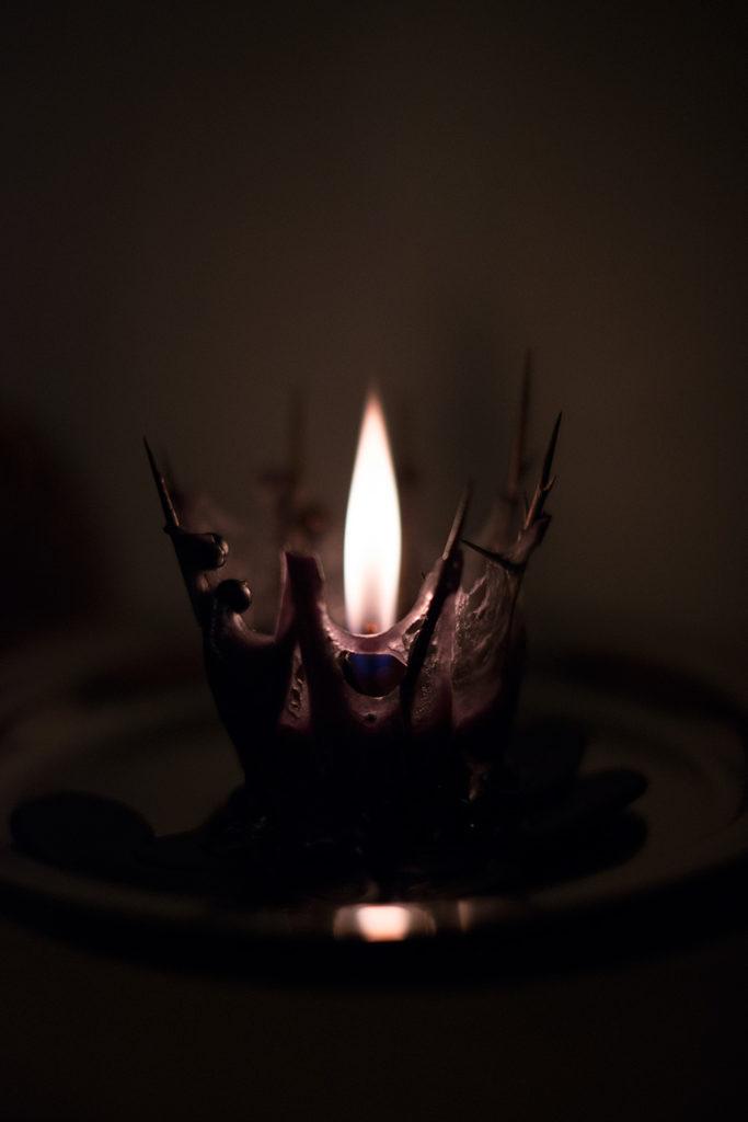 приворот на любовь на черную свечу и иглы