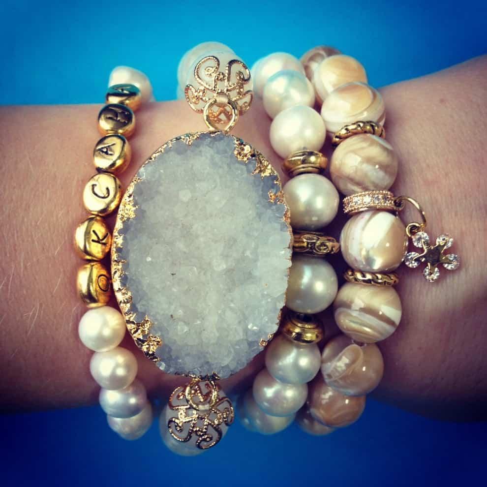браслет с лунным камнем