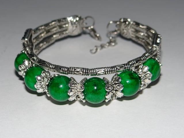 браслет с зелёной яшмой