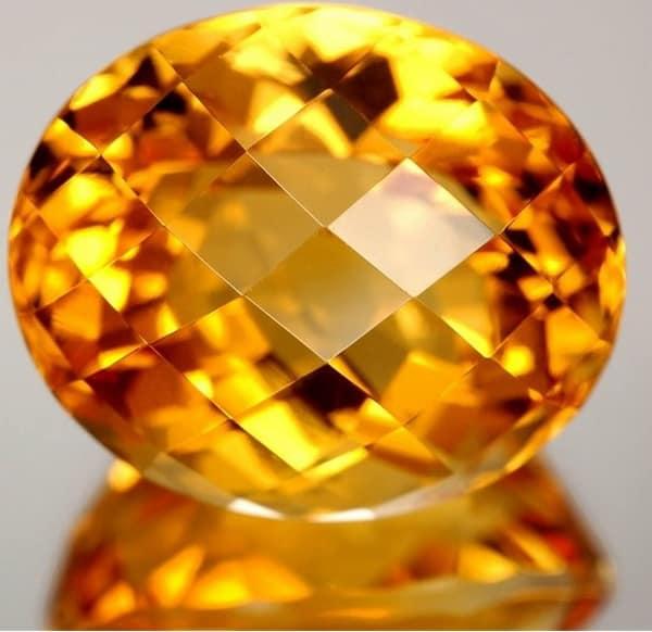 Обзор удивительных свойств, которые имеет камень цитрин