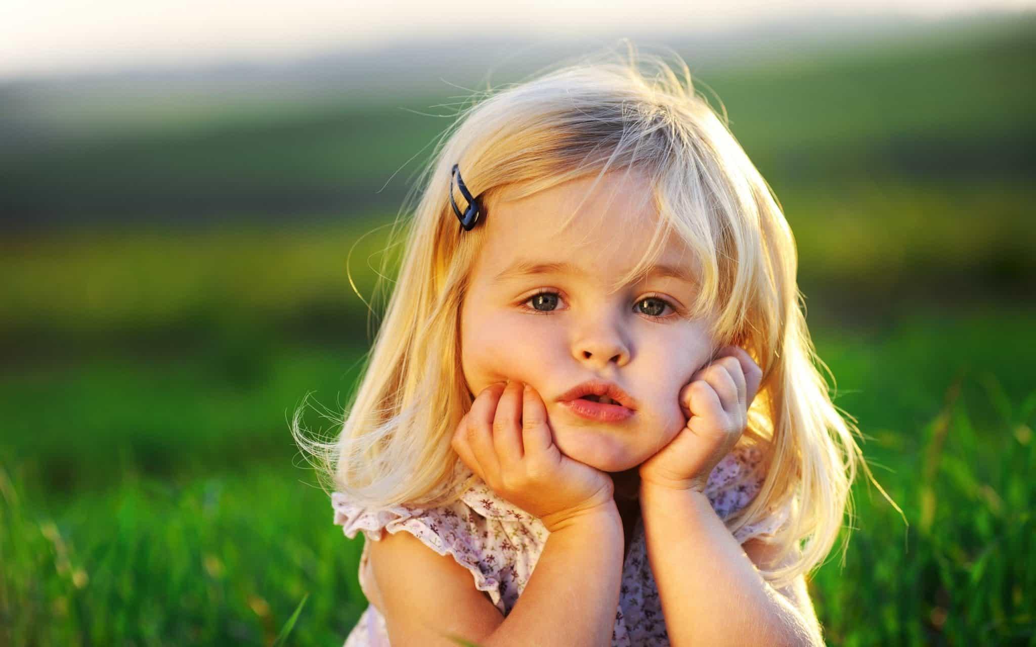 Во сне девочка: толкование по популярным сонникам