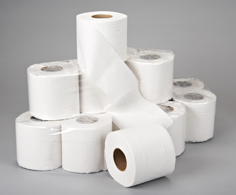Несколько рулонов бумаги