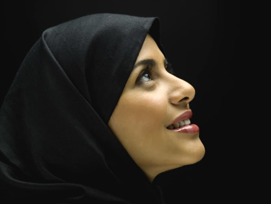 Чтение Корана от сглаза и порчи: правила использования защитных сур