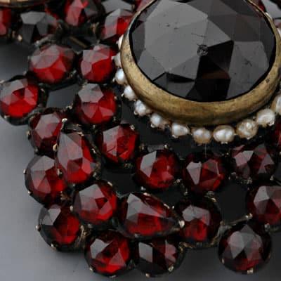 камень карбункул - магические свойства
