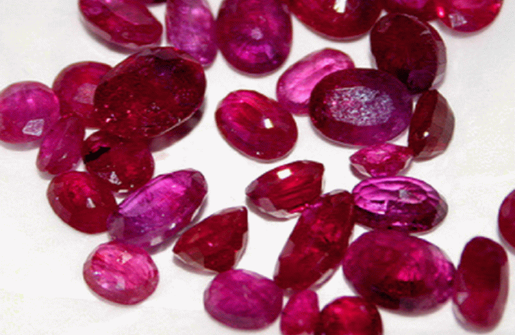 камень яхонт в целительстве
