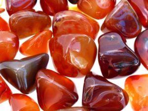 Камень сердолик: магические свойства и кому он подойдет