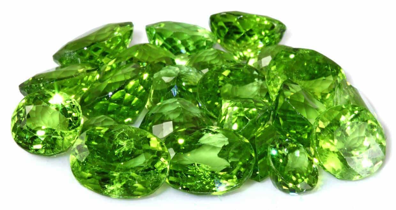 кристаллы хризолита фото