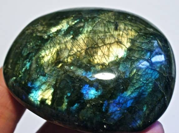 камень лабрадор фото