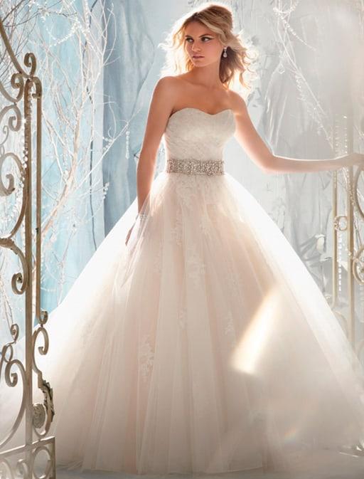 К чему снится видеть себя в свадебном