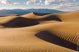 Почему приснился песок: толкуем по различным сонникам
