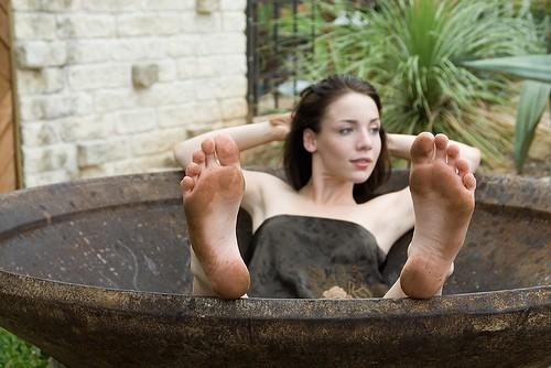 К чему снится женское нижнее белье трусы толкование сна по 40 сонникам