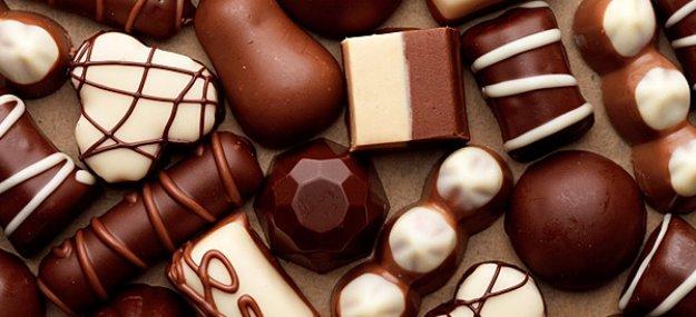 Приснились шоколадные конфеты — популярные толкования