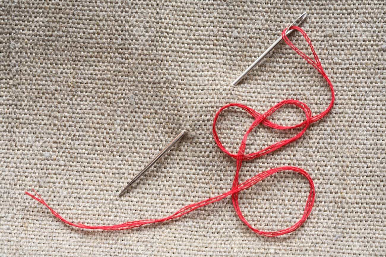 Почему приснилась нитка с иголкой — особенности толкования