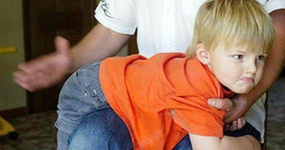 Сон, в котором сновидец бьет ребенка: предвещание проблемы наяву