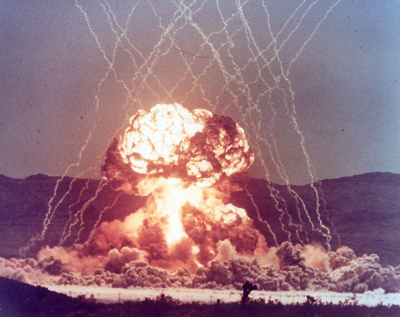 Яркий взрыв