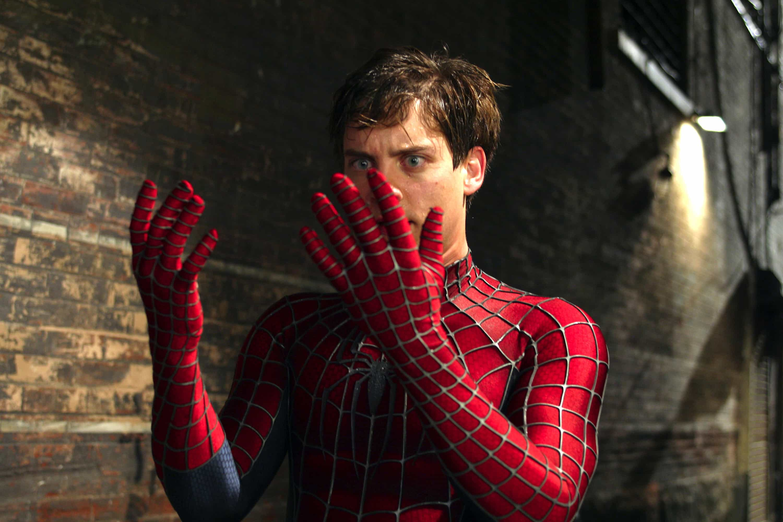В костюме Человека-Паука
