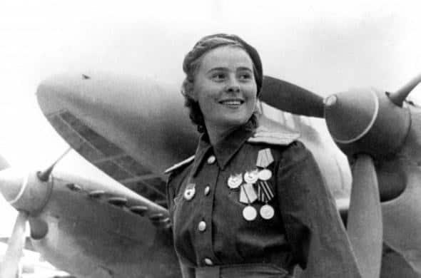 Женщина в медалях