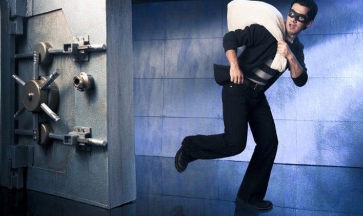 Как растолковать ограбление во сне по ведущим сонникам