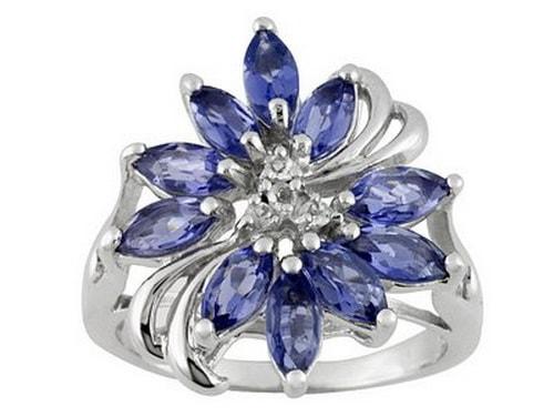 Серебряное кольцо с иолитом