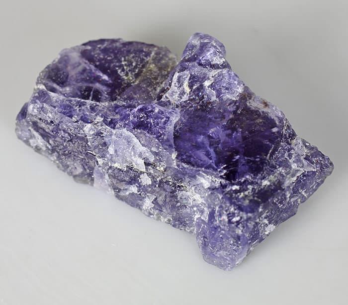 Кристалл иолит