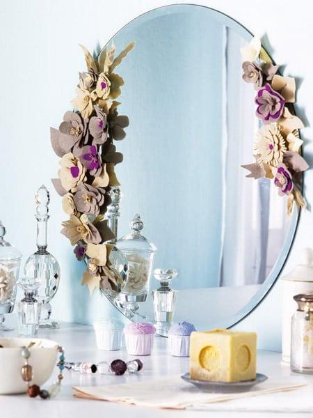 декорируйте зеркала разными элементами