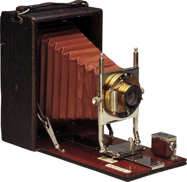 Древний фотоаппарат