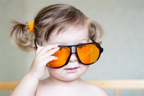 Яркие очки у ребенка