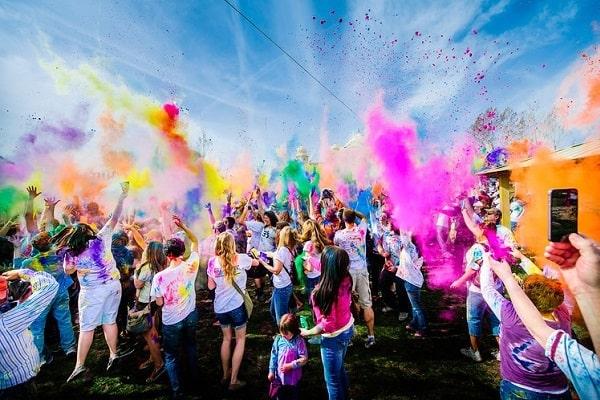 Цветной праздник