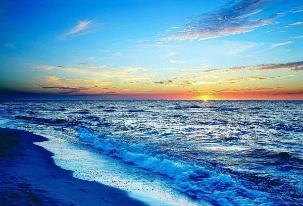 Закат у моря
