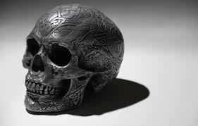 Темный череп