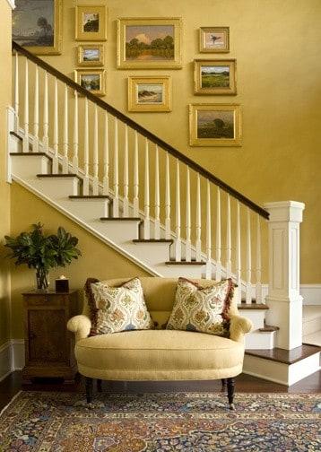 картины над лестницей фото