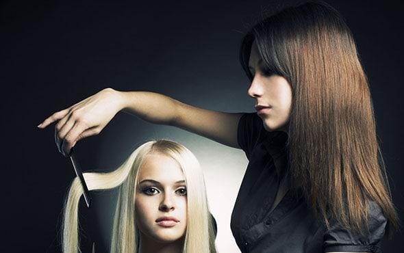 когда лучше красить и стричь волосы в декабре