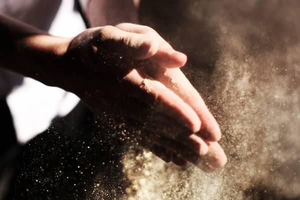 Пыль в руках