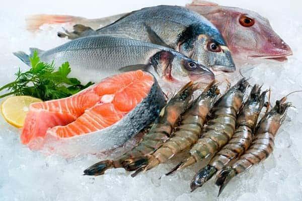 Сырая рыба во сне — хороший ли это знак, особенности толкования