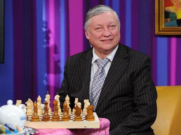 С шахматами
