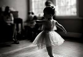 Девочка на танцах