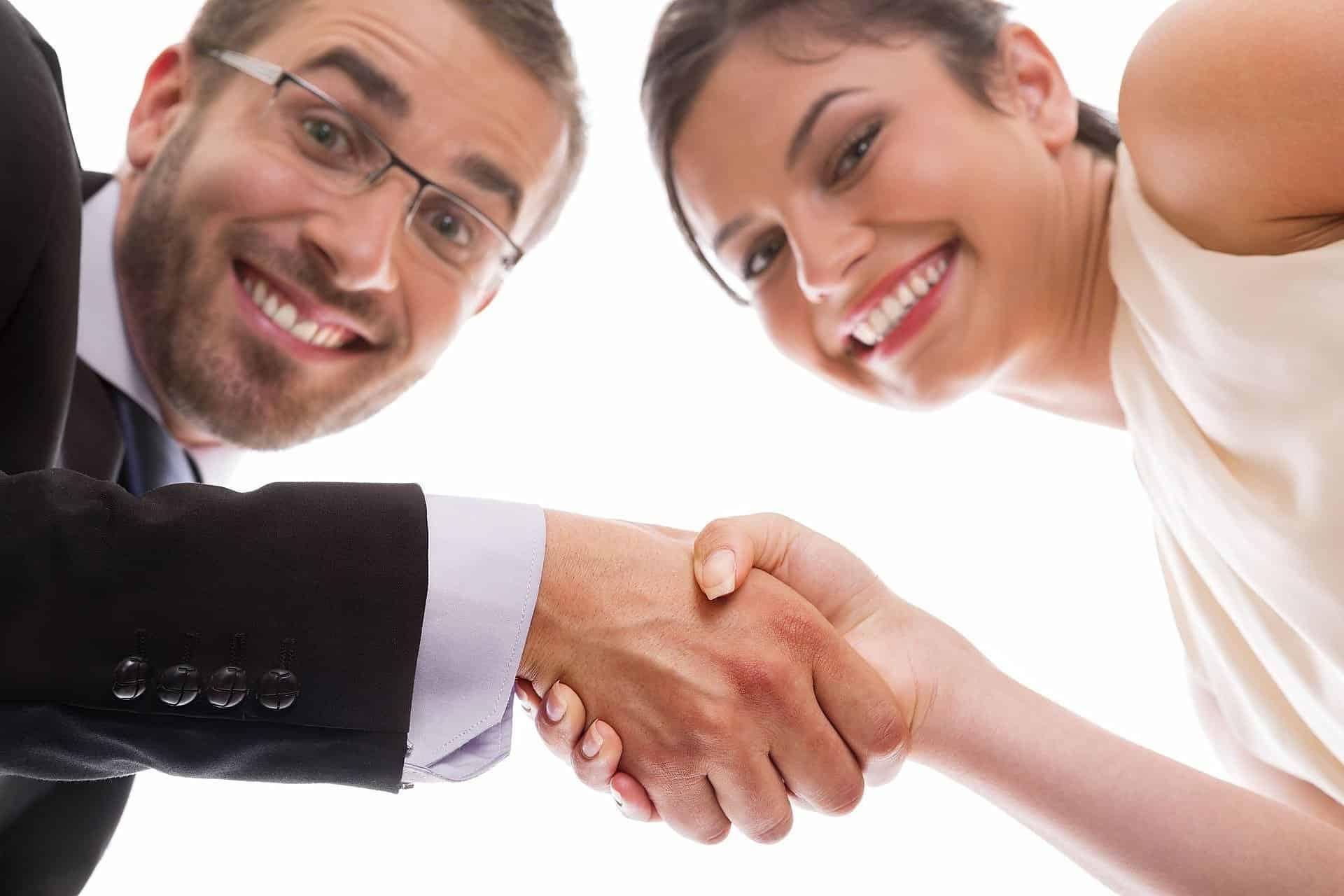 в деловых вопросах партнёры преуспеют
