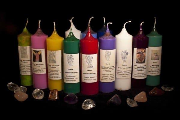 значение разных цветов свечи