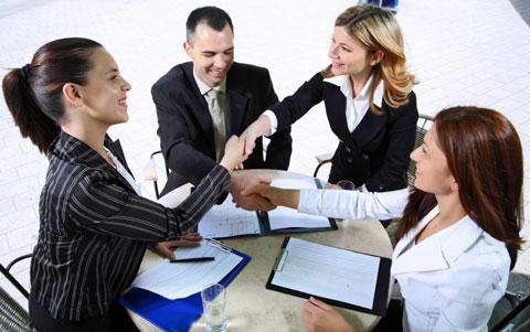 сейчас показаны деловые переговоры